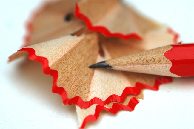 Afbeelding bij Wta-beoordelingsonderzoeken. Een geslepen rood potlood