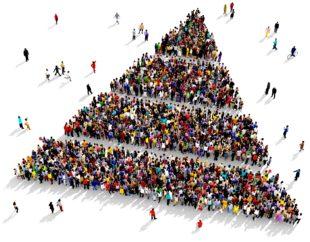 Afbeelding voor het publieksonderzoek. Een groep mensen die samen een driehoek vormt
